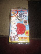 New  set of 8 ONE SECOND Needle w/ 101pc Sewing Kit in Camp Lejeune, North Carolina